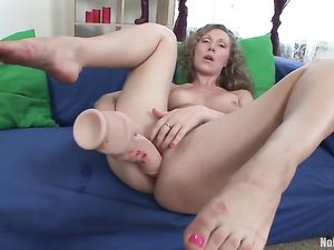Leggy Solo Teen Ramming Big Toys Into Her Cunt