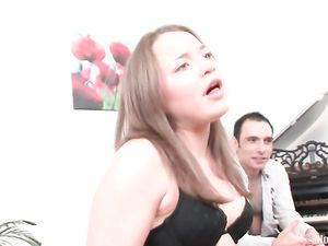 Cute Teen Proves She Knows How To Suck A Dick