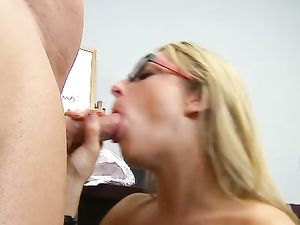 School Slut Seduces The Gym Teacher For A Good Fucking